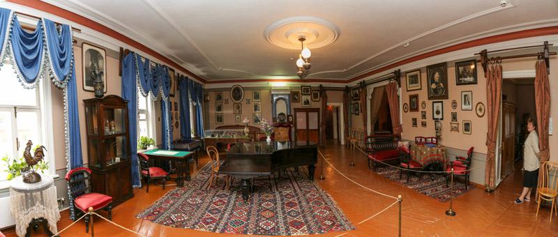 柴科夫斯基故居的客厅全景