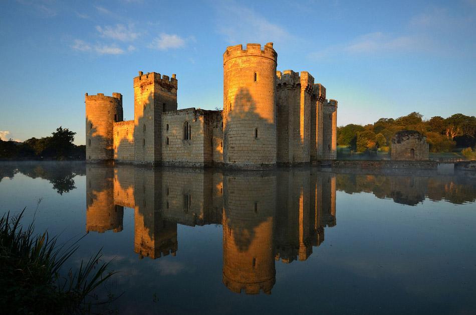 从俄罗斯凯萨琳宫出发 带你领略世界上最壮美的29座城堡图片
