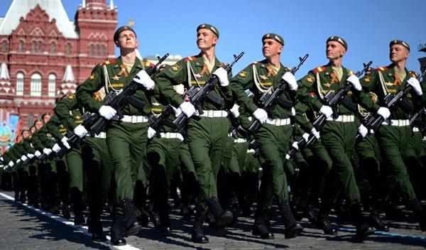普京下令将俄罗斯武装力量人数提升至190万