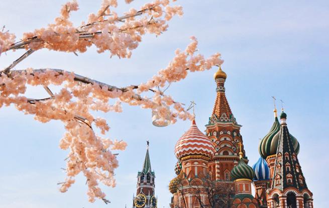 (组图)莫斯科红场春意闹 花海待君来
