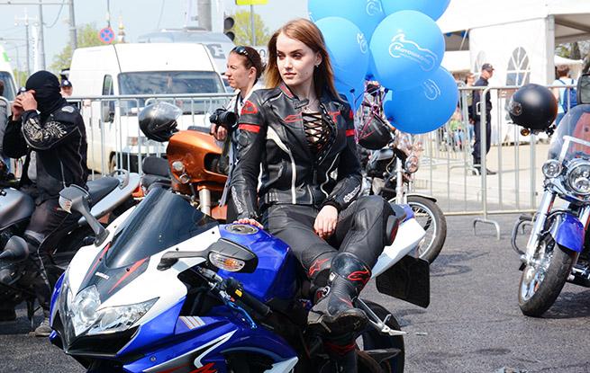 """莫斯科""""摩托车巡游""""活动参加人数再创新高"""